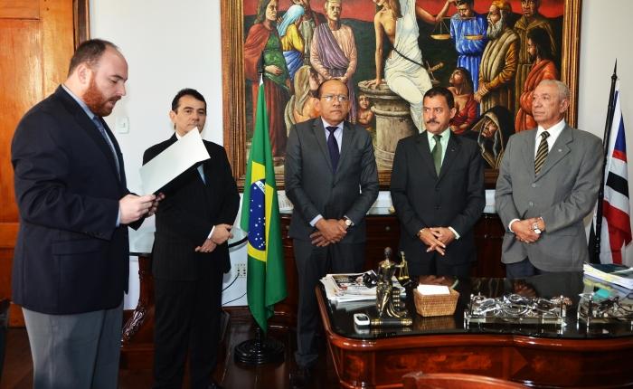 A solenidade de posse aconteceu no Gabinete da Presidência (Foto/ Ribamar Pinheiro)