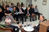 O autor falou a uma plateia seleta de escritores, advogados, magistrados e servidores do Judiciário  (Foto: Ribamar Pinheiro)