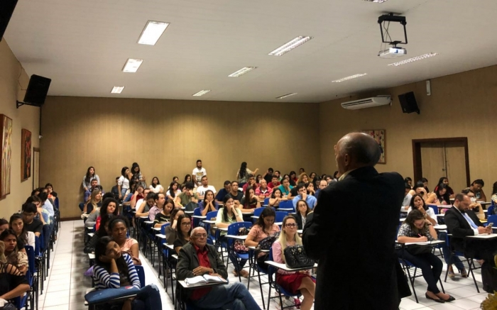 Juiz José dos Santos Costa proferiu palestra para universitários.