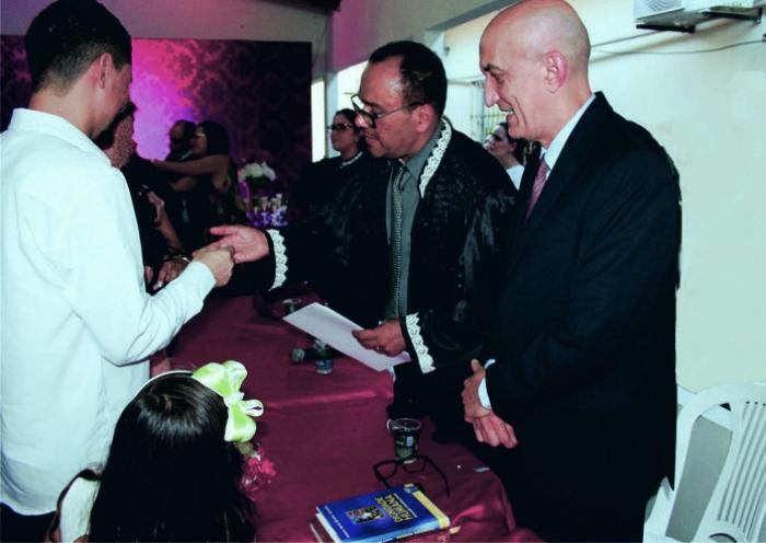 Corregedor Marcelo Carvalho prestigiou o casamento realizado na Unidade Prisional do município de Davinópolis.