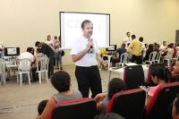Juiz Alexandre Abreu prestou orientações aos casais que aguardavam atendimento