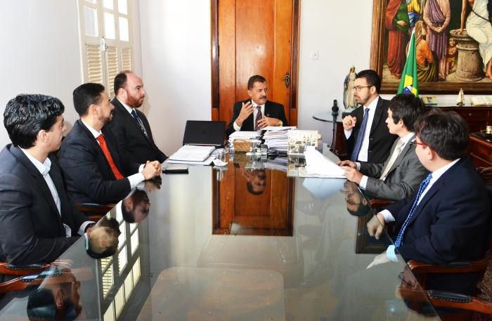 A reunião aconteceu no Gabinete da Presidência (Foto: Ribamar Pinheiro)