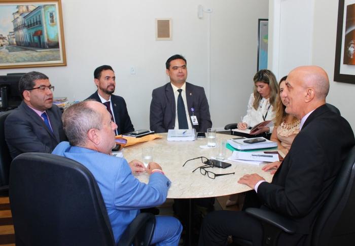 Na reunião os corregedores alinharam ações que serão desenvolvidas em conjunto. (Foto: Josy Lord/CGJ-MA).