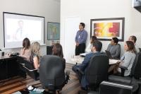 Consultor do Prêmio Innovare reuniu-se com equipes responsáveis pelos projetos inscritos (Foto: Josy Lord)