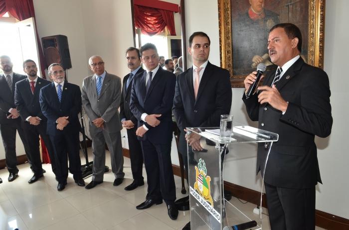 O desembargador Joaquim Figueiredo elogiou o trabalho do Núcleo de Solução de Conflitos do TJMA (Foto: Ribamar Pinheiro)