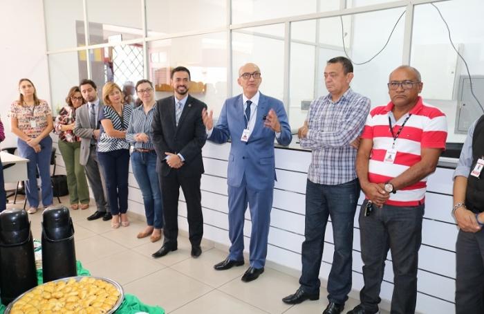 Corregedor Marcelo Carvalho fala para os servidores no Dia dos Pais