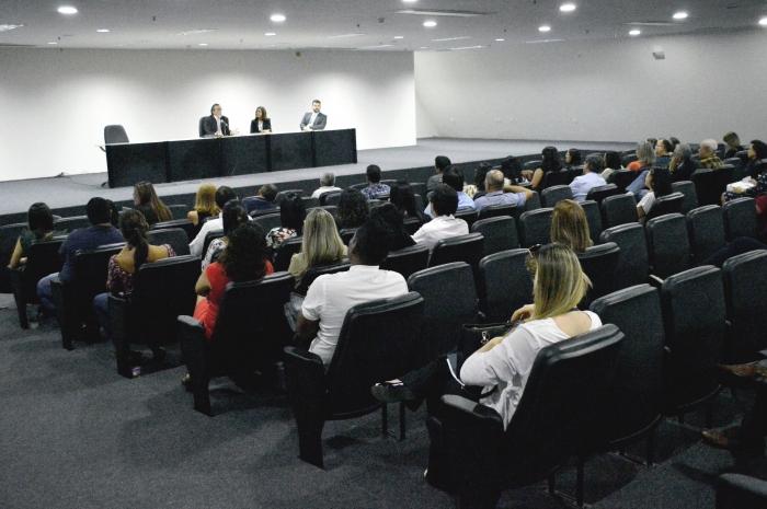 O encontro ocorreu no auditório do Fórum de São Luís