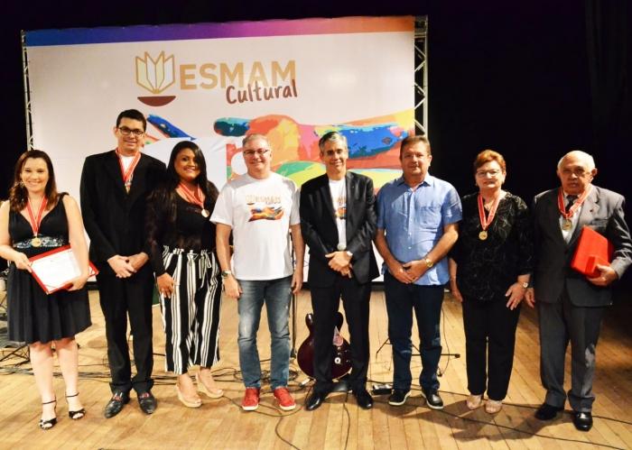 Medalha foi entregue durante o ESMAM Cultural (Foto: Ribamar Pinheiro)