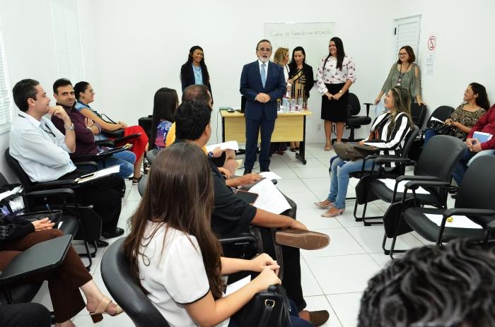 O desembargador José Luiz Almeida fez a abertura do curso de Conciliação e Mediação (Foto: Ribamar Pinheiro)