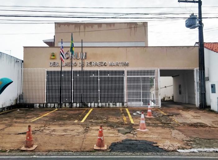 O Fórum de Ribamar passou por reforma e ganhou nova fachada padrão do Judiciário maranhense.