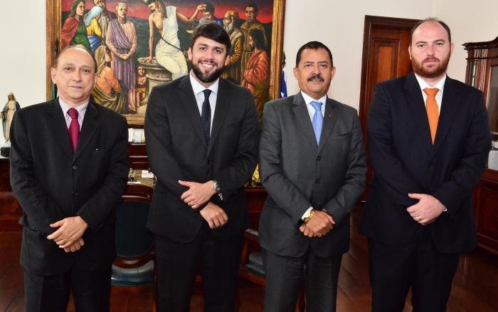 O deputado foi recebido no Gabinete da Presidência  (Foto: Ribamar Pinheiro)