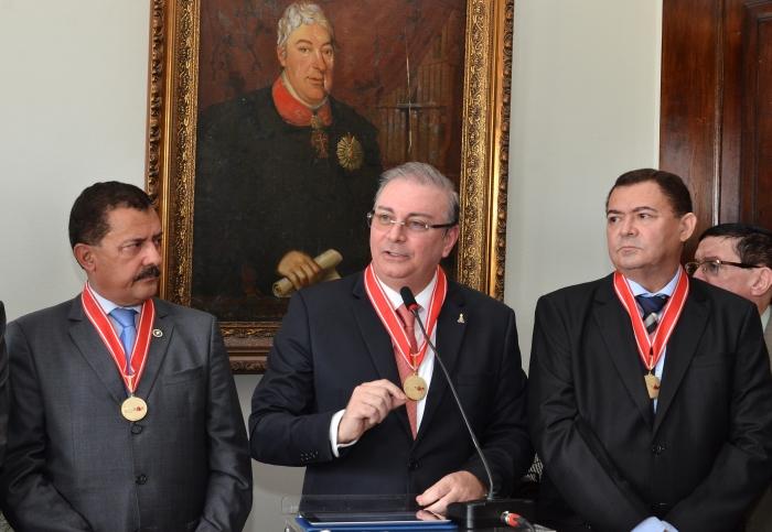 Froz Sobrinho e José Jorge Figueiredo tomaram posse no Salão Nobre do TJMA (Foto: Ribamar Pinheiro)
