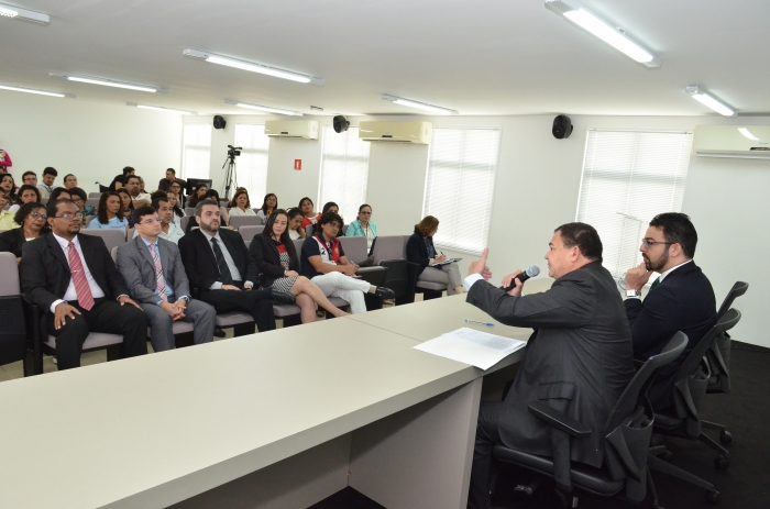 Desembargador Jorge Figueiredo e o juiz Ângelo Santos (AMMA) - Foto: Ribamar Pinheiro