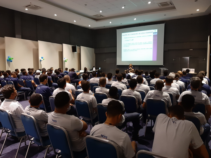 Participaram da palestra mais de 100 colaboradores da empresa Rofe Distribuidora. (Foto: Divulgação/Ascom)