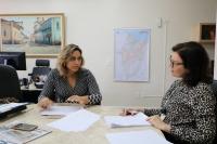 A consultora do CNJ e UNODC, Thayara Castelo Branco, reuniu-se com a juíza auxiliar da CGJ-MA, Stela Muniz. (Foto: Josy Lord)