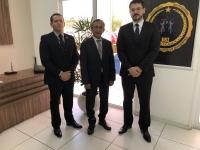 Desembargador Raimundo José Barros, tenente-coronel Alexandre Magno e o juiz Cristiano Simas participaram da abertura do curso