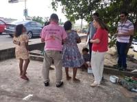 Abordagem a pais de crianças venezuelanas em São Luís