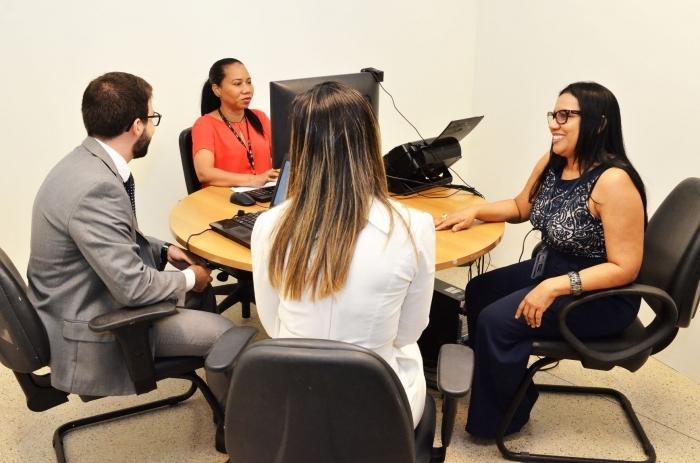 Conciliadores atuam nos centros de conciliação e nas comarcas do Estado