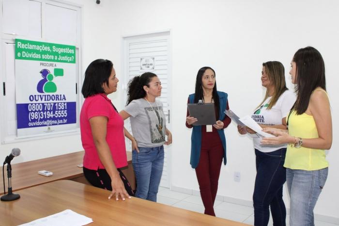 Equipe da Ouvidoria acerta detalhes com secretária judicial de Santa Helena.