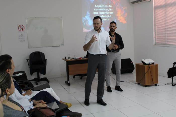 O juiz Fábio Póvoa e o professor Fernando Assis integram a equipe de formadores da Enfam