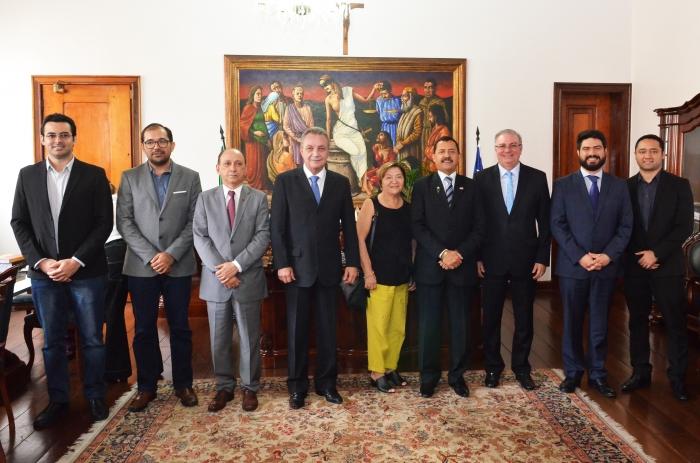 O acordo foi assinado no Gabinete da Presidência do TJMA. (Foto: Ribamar Pinheiro)