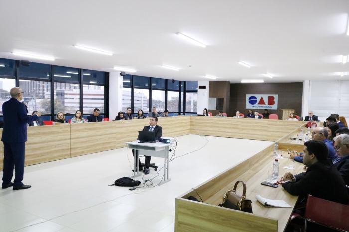 Corregedor-geral reuniu-se com advogados na sede da OAB/Seccional MA nesta quinta-feira, 17 (Fotos: Josy Lord)