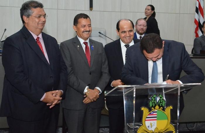 O vice-diretor da ESMAM, desembargador José Jorge Figueiredo, assinou o protocolo de intenções (Foto: Ribamar Pinheiro)