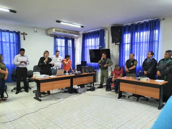 Juíza Larissa Tupinambá preside julgamento realizado na Comarca de Pedreiras.