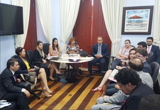 Corregedora Anildes Cruz recebe juízes e advogados em reunião na CGJ-MA. (Imagem: Edgar Ribeiro).